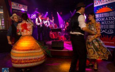 Dansers en opzwepende muziek bij  Hajnali-Hungary