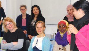 Wethouder Fleur Imming bezoekt workshop voor Women Unlimited